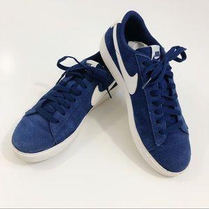 Nike   Blazer Low Blue Suede Sneakers